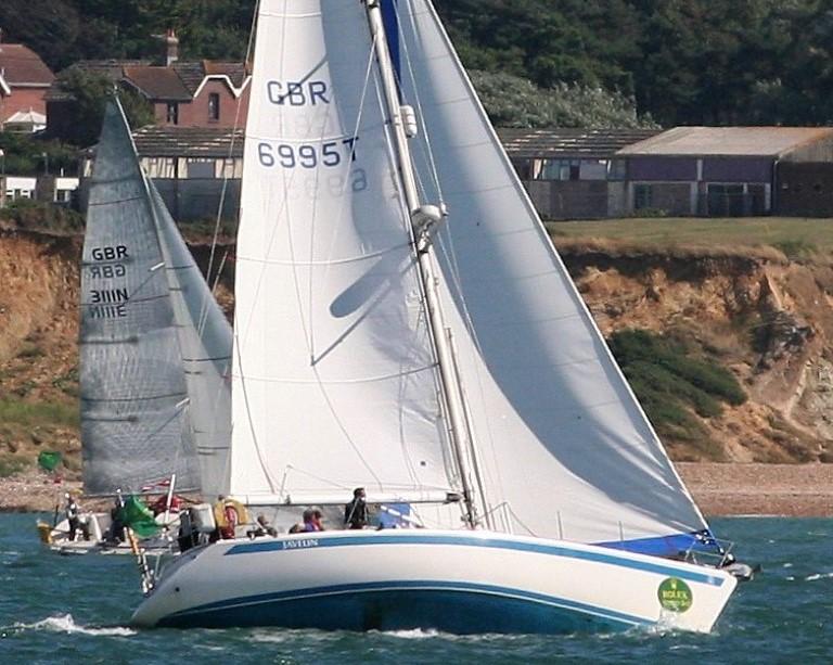 Sweden Yachts 390 under sail