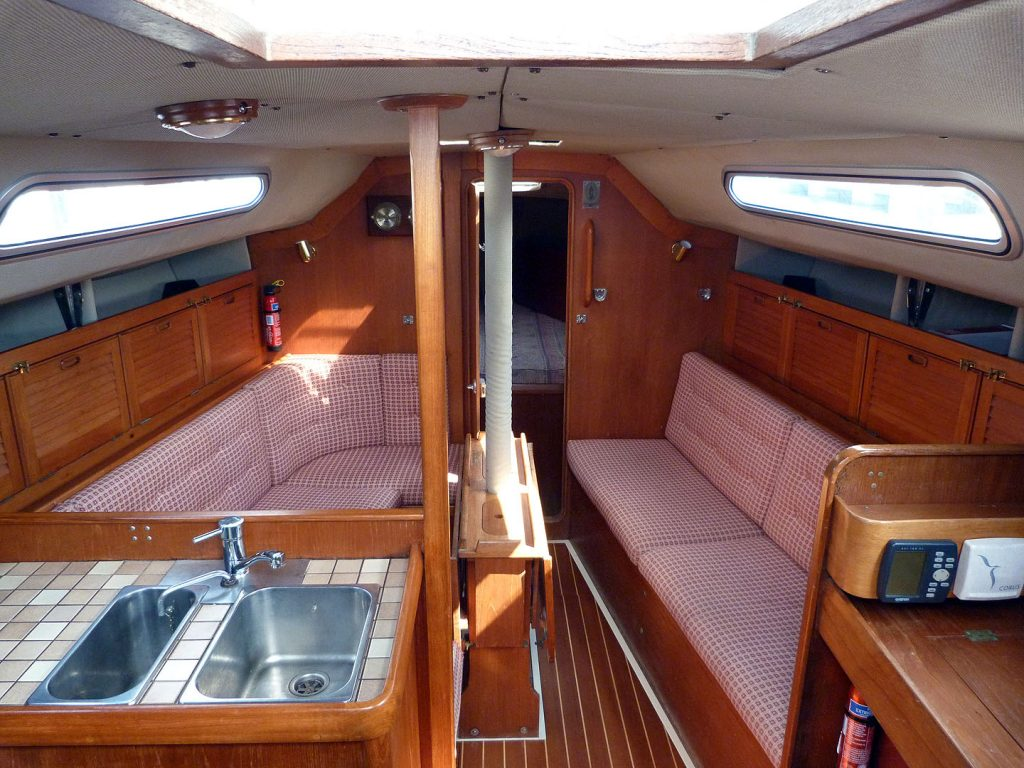 Westerly Storm 33 Saloon