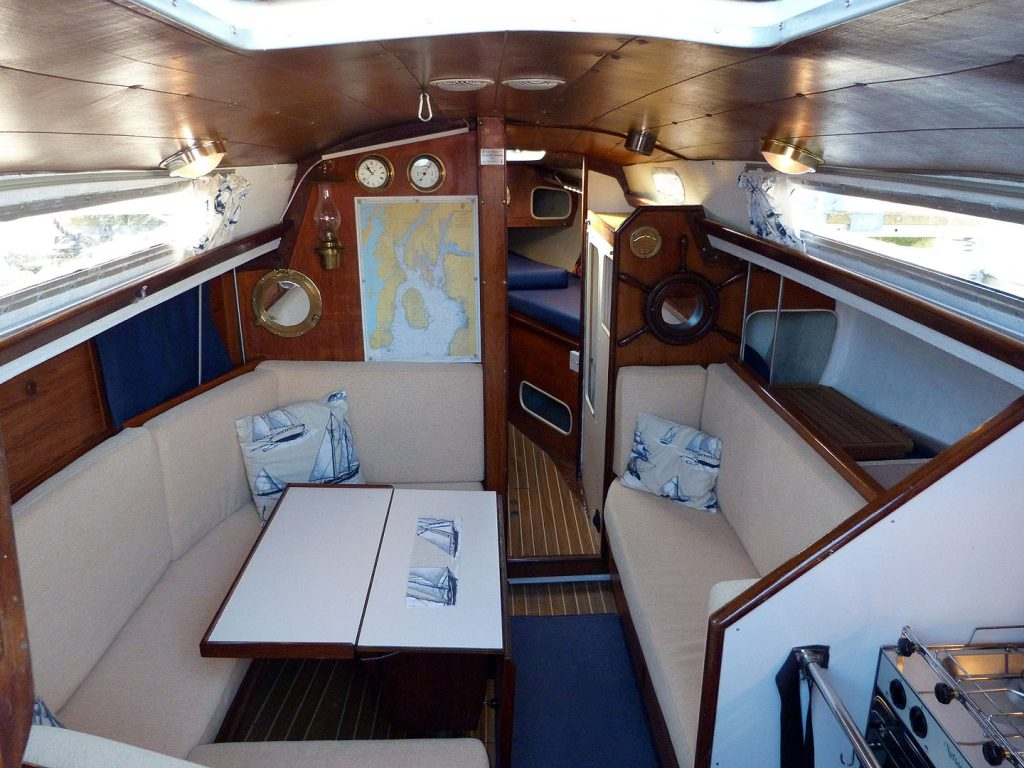 Seamaster 925 Saloon