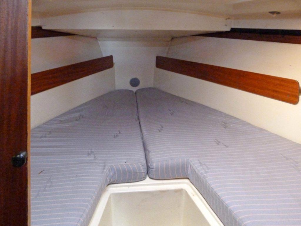 Etap 30 forward cabin