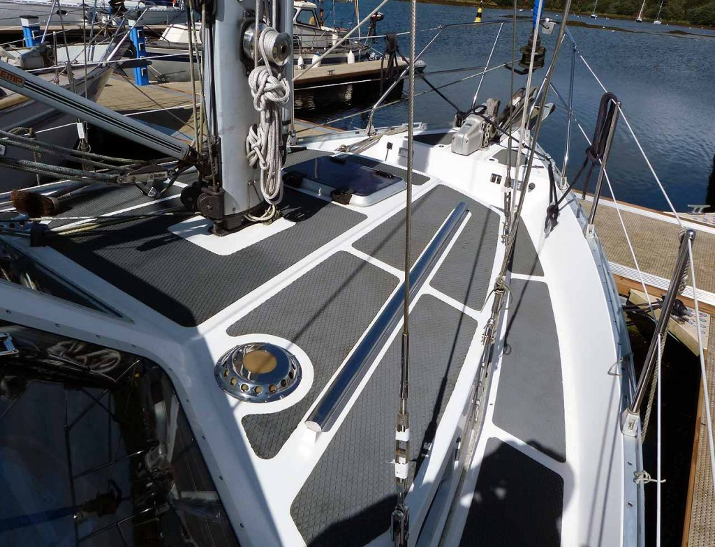 Cromarty 36 On deck