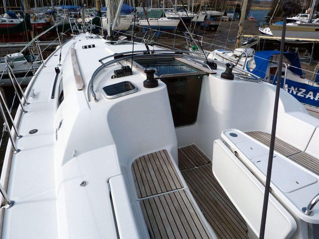 Jeanneau Sun Odyssey 39i - Decks