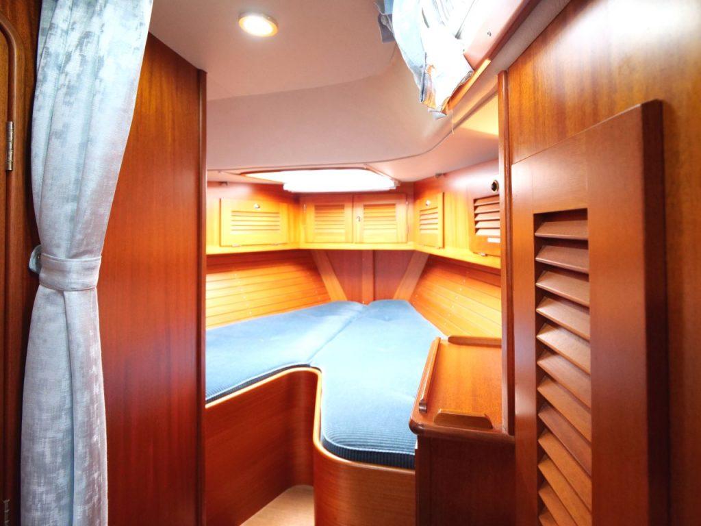 Hallberg-Rassy 42F MkII Forward cabin