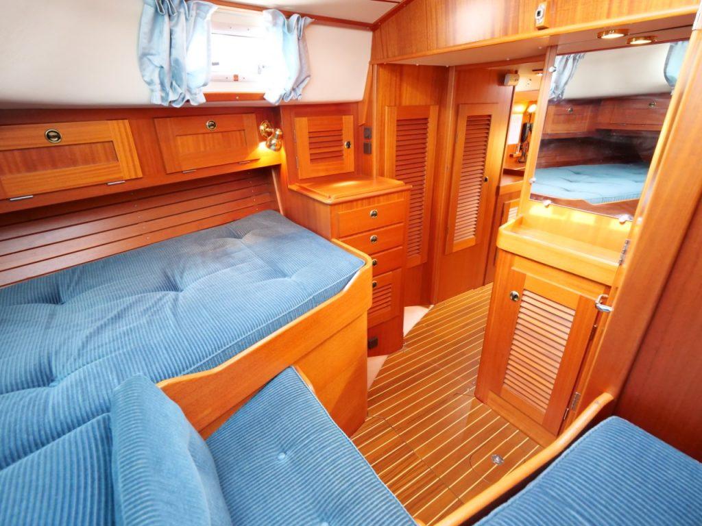 Hallberg-Rassy 42F MkII Aft cabin