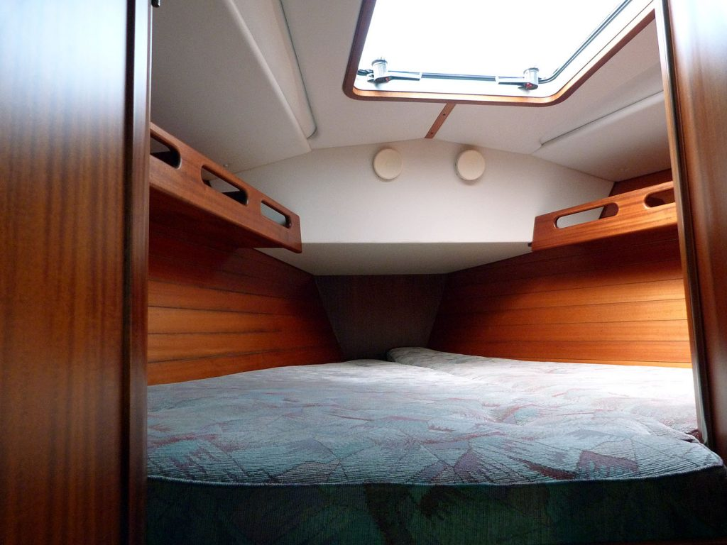 Sweden Yachts 370 Forward cabin