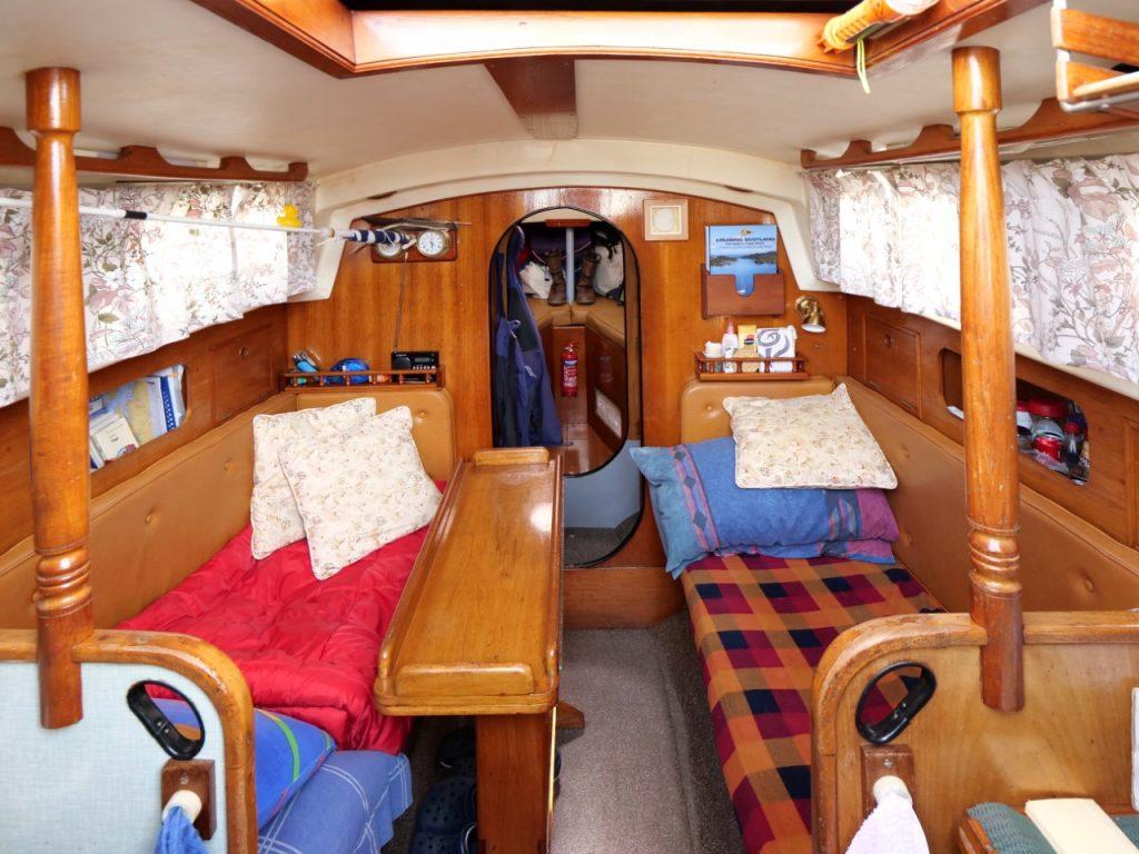 Nantucket Clipper 'SAND DOLLAR' - Saloon