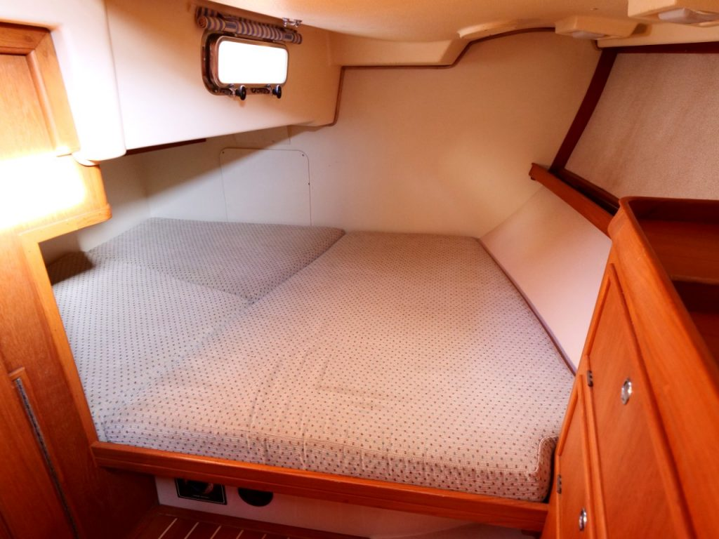Island Packet 420 Aft Cabin