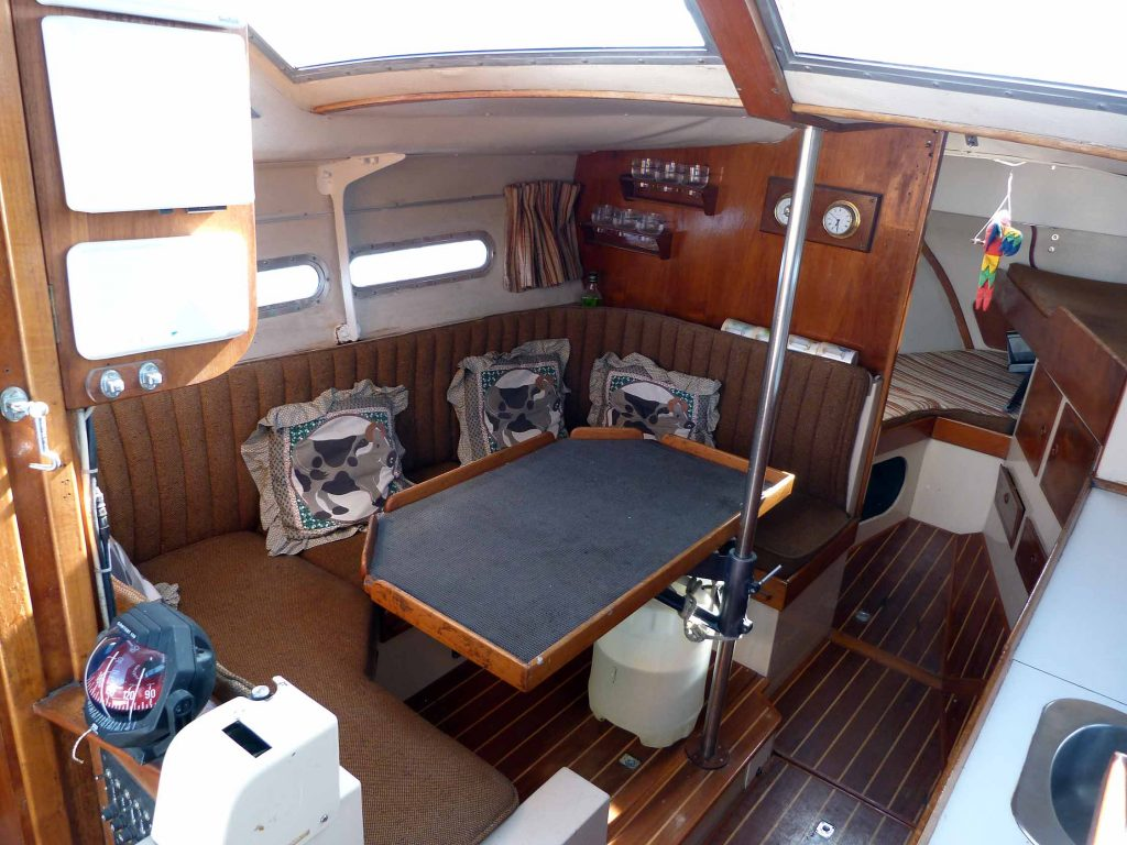 Southerly 28 saloon