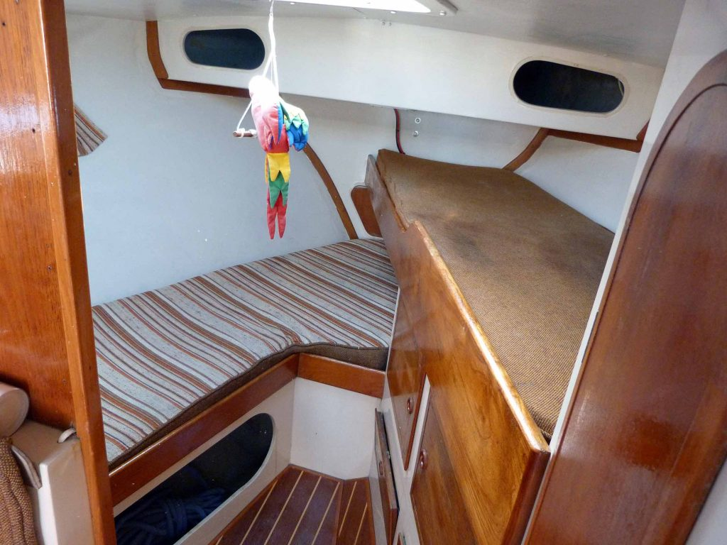 Southerly 28 forward cabin