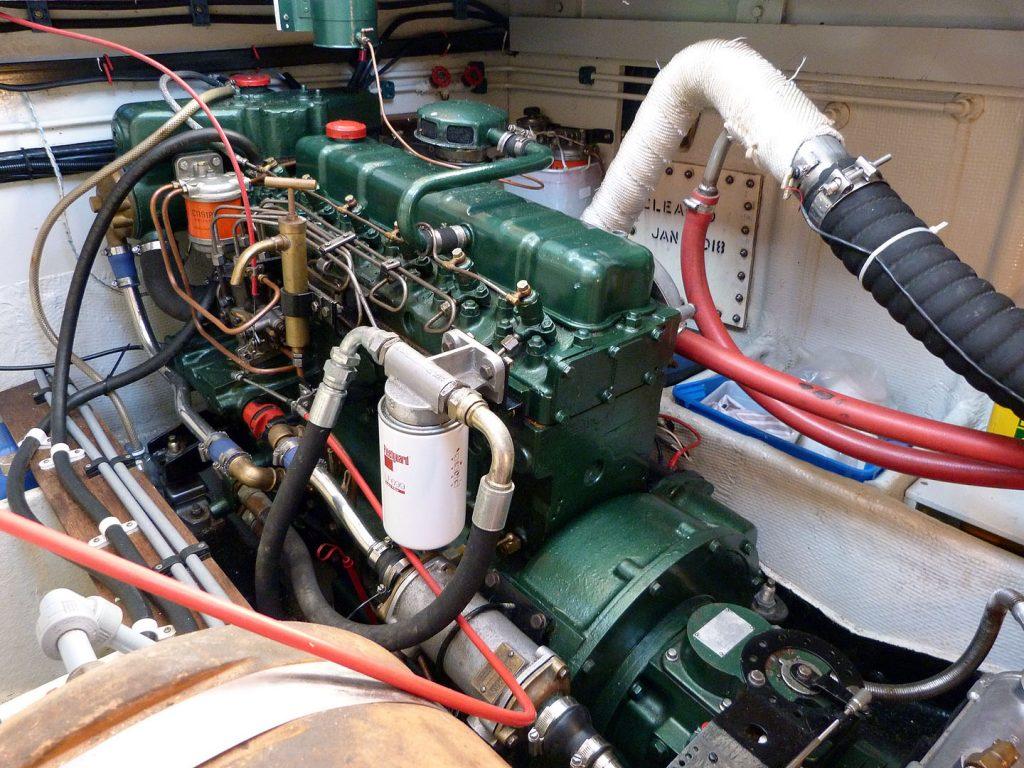 Banjer 37 Engine space