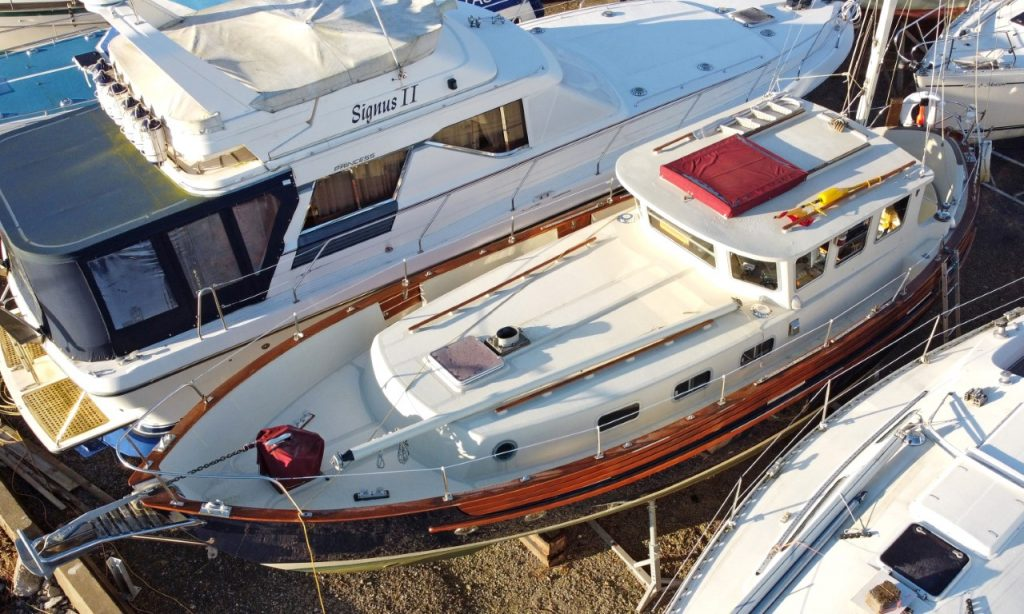 Fisher 37 deck layout