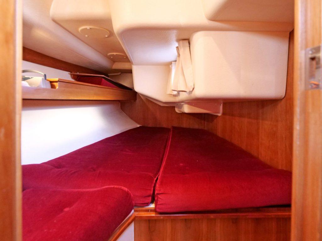 Starlight 35 aft cabin