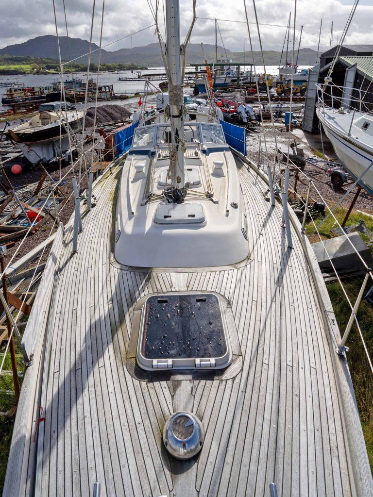 Hallberg-Rassy 312 on deck