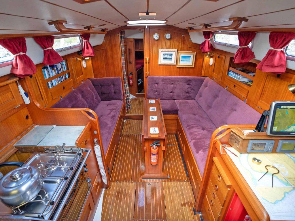 Hallberg-Rassy 312 - Below decks