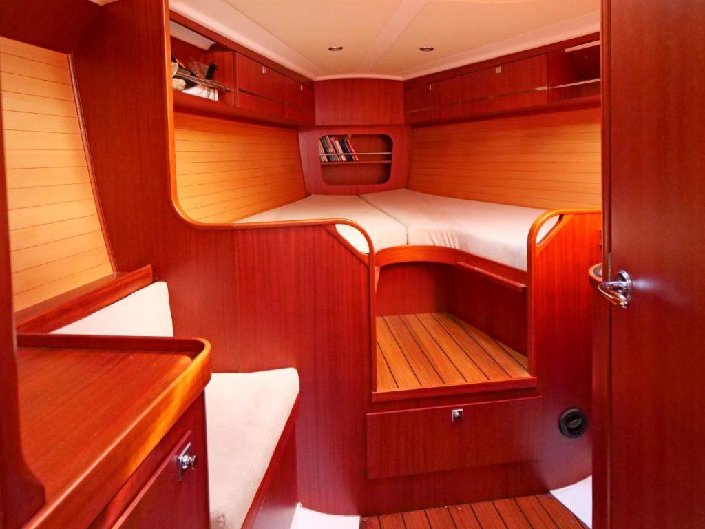Maxi 1300 master cabin