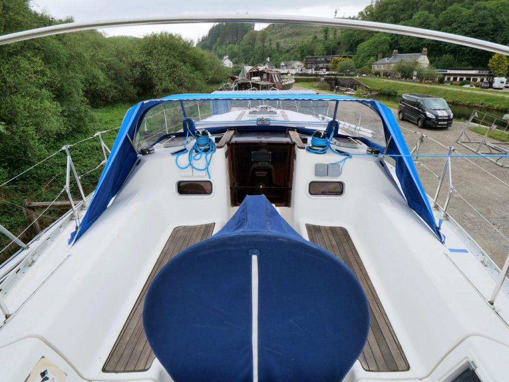 Jeanneau Sun Dance 36 cockpit