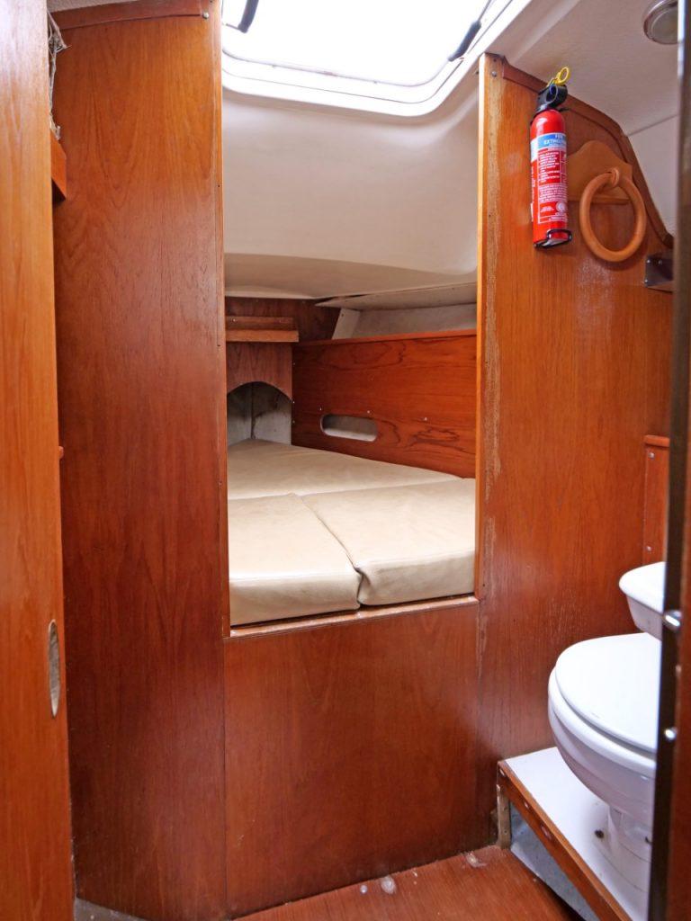Contessa 28 forward cabin