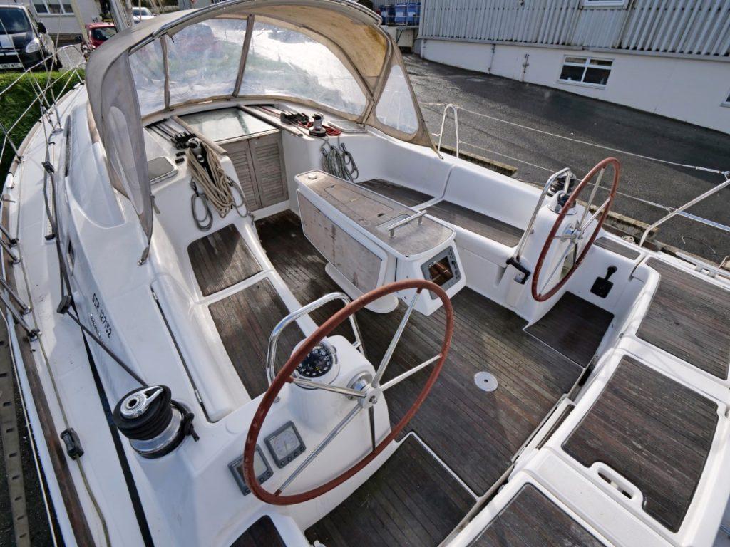 Beneteau Oceanis 40 cockpit